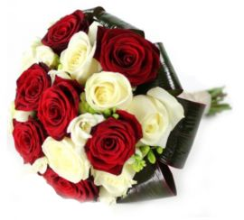White-red bouquet of roses